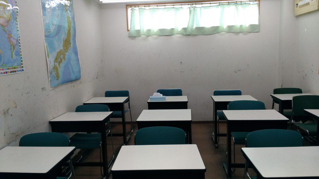 あすか塾甲子園校2回中央の教室